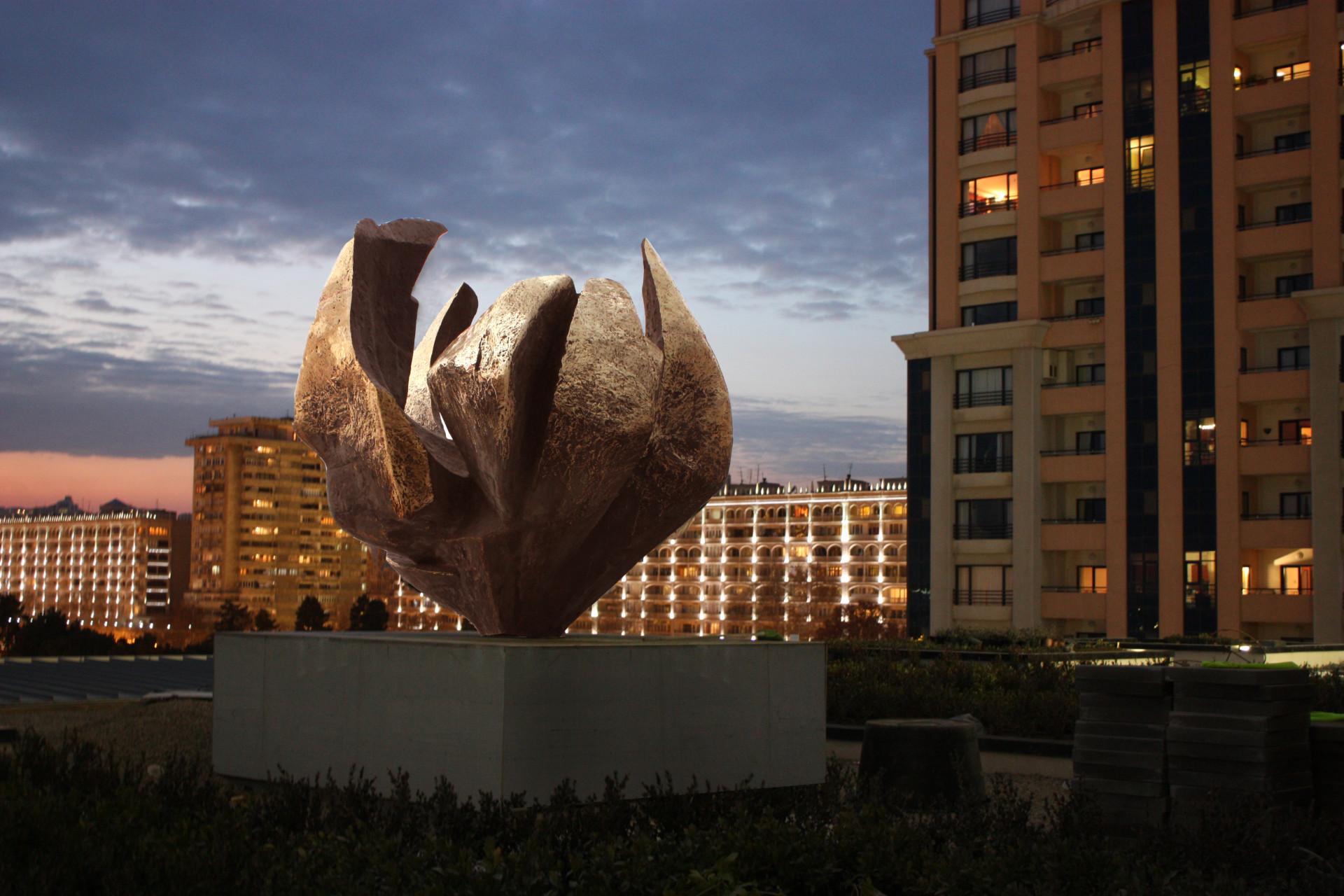 JW MARRIOTT HOTEL « Absheron Lights» 350 x 450 x 400 bronze jpg