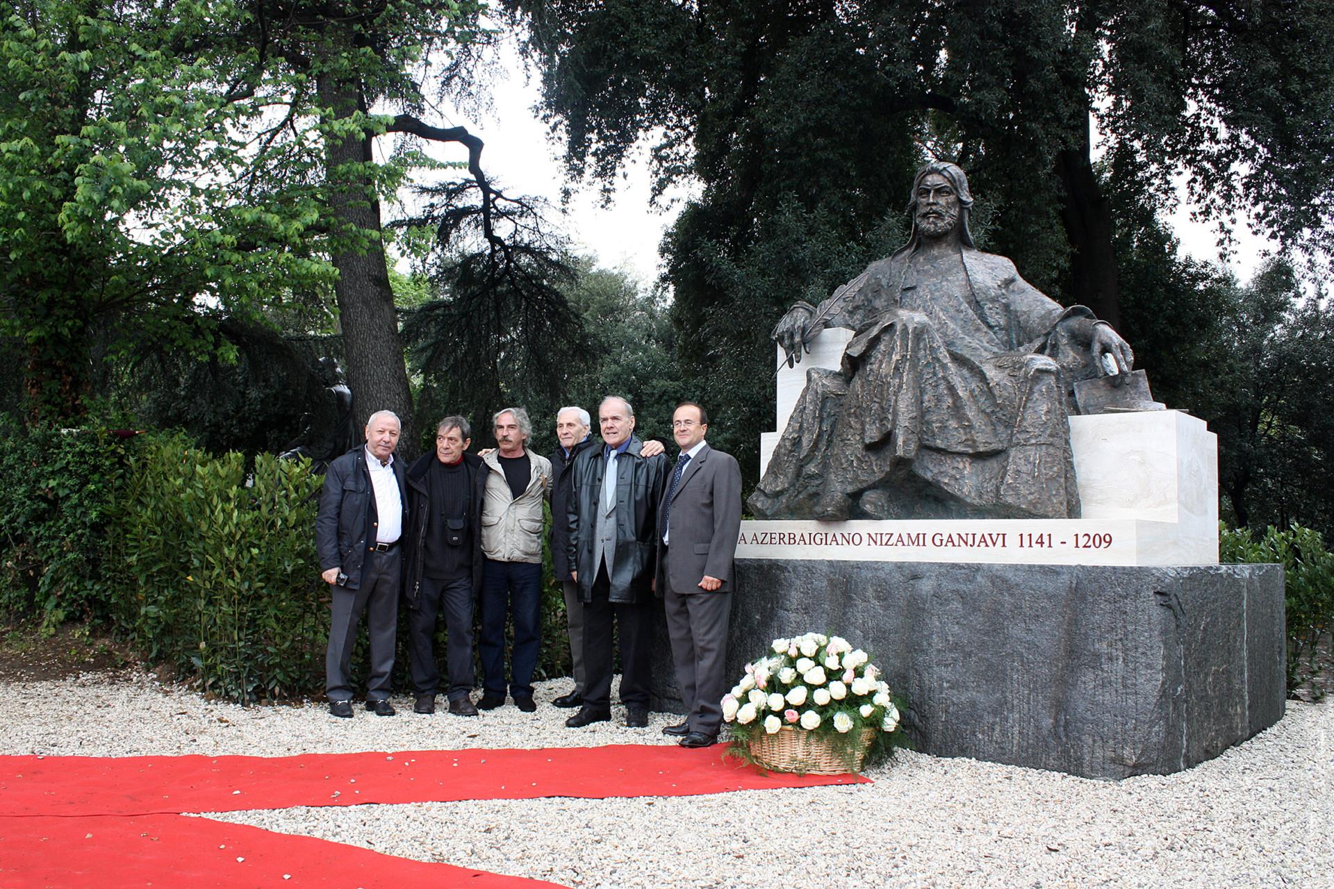 Ali Ibadullayev - Poet Nizami Ganjavi - bronze Villa Borghese Rome 2012